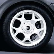 "R84 16"" V-Spoke Wheels & Cap:White"