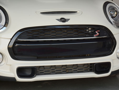 Grill Trim Surround Cover: Black: F55/6/7