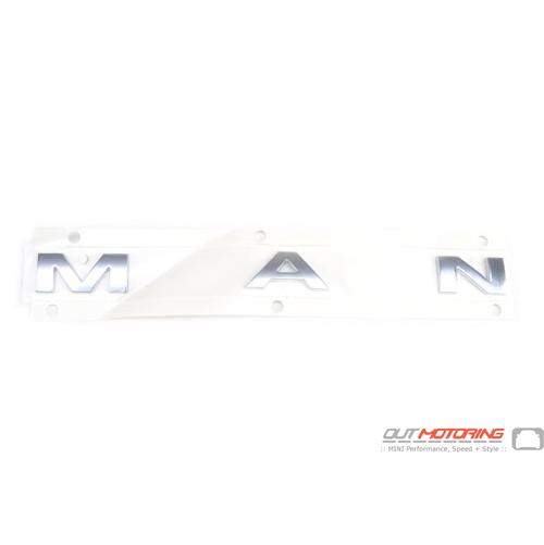 Lettering Chrome: 'MAN'